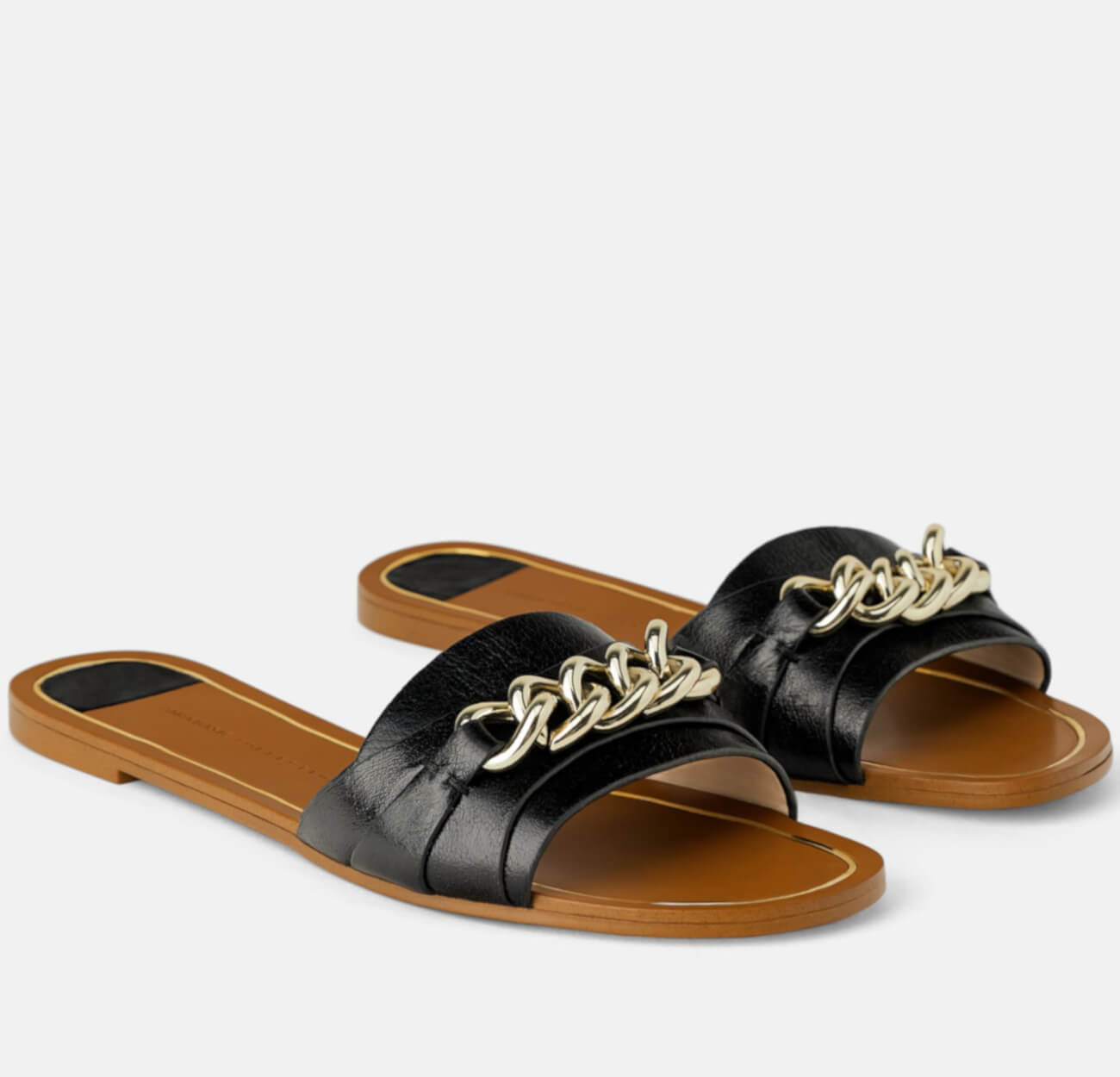 FLAT LEATHER SANDALS WITH CHAIN for this summer