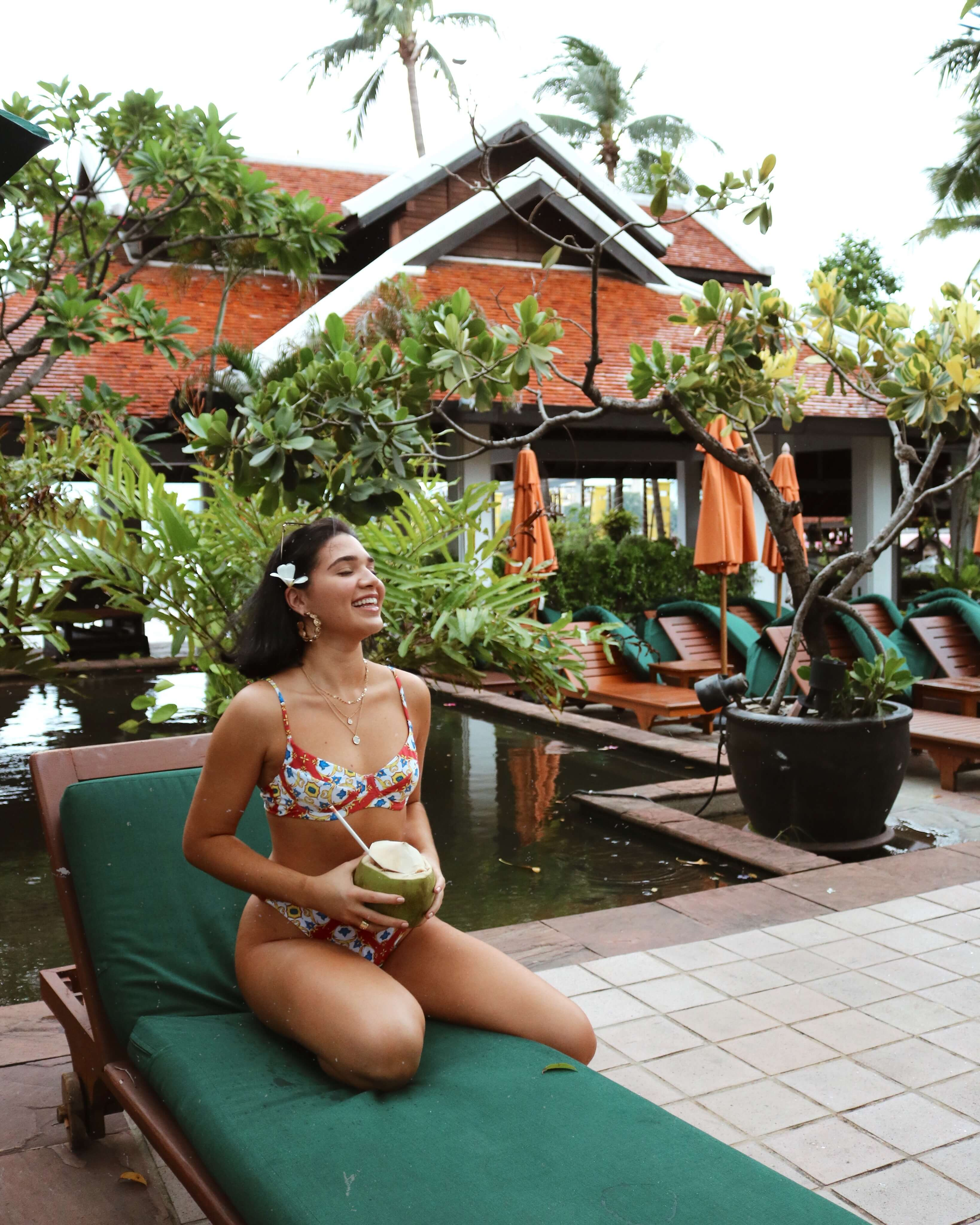 outfit de Vanessa en traje de baño (x WeWoreWhat Lydia Top) en TAILANDIA